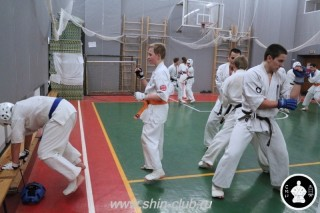 тренировка Киокушинкай 2016 ударов (300)