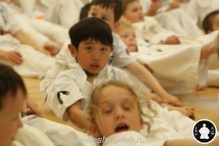занятия каратэ для детей (25)