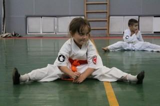 karate-detyam-v-krasnogvardeyskom-rayone-15