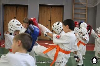 karate-detyam-v-krasnogvardeyskom-rayone-33
