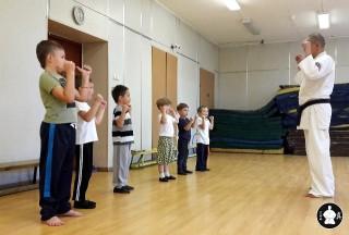 первая тренировка по каратэ (9)