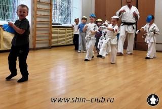 zanyatiya-karate-deti-4-5-let-11