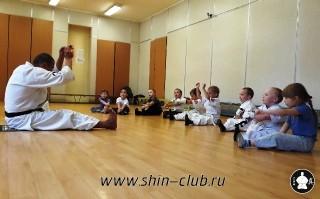 zanyatiya-karate-deti-4-5-let-2