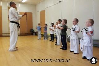 zanyatiya-karate-deti-4-5-let-7