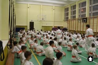 uchebnyie-zanyatiya-po-karate-10