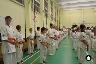 uchebnyie-zanyatiya-po-karate-18