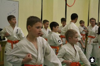 uchebnyie-zanyatiya-po-karate-30