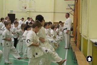 uchebnyie-zanyatiya-po-karate-45