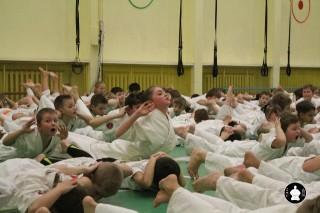 uchebnyie-zanyatiya-po-karate-61
